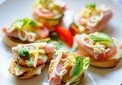 Kanapki śniadaniowe z serem Mońki