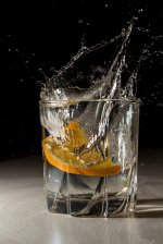 Szklanka z wodą